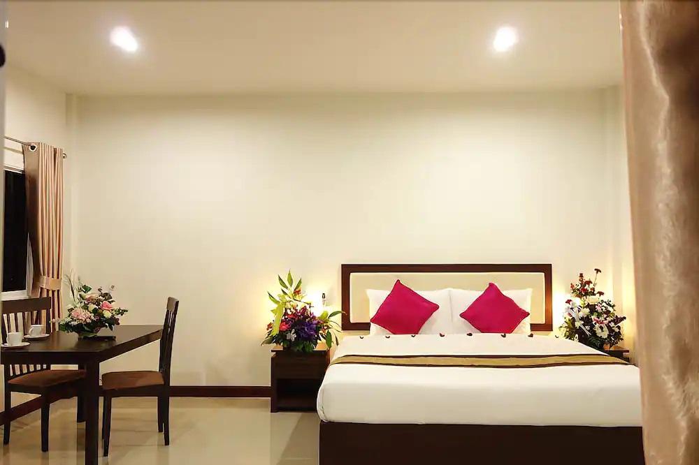 phuket airport villa ใกล้สนามบิน